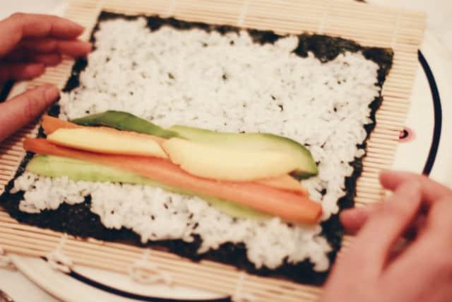 навиване на суши 1